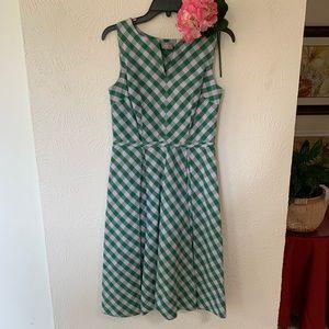 Eshakti Sleeveless Dress